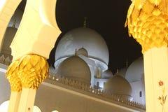 Sheikh το μεγάλο μουσουλμανικό τέμενος Zayed βρίσκεται στο Αμπού Ντάμπι Στοκ φωτογραφίες με δικαίωμα ελεύθερης χρήσης