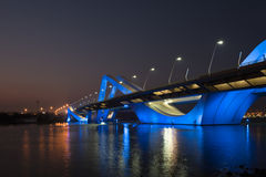 Sheikh Zayed Bridge nachts, Abu Dhabi, UAE Stockfoto