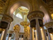 Sheikh Zayed Grand Mosque in Abu Dhabi, Innen Lizenzfreie Stockfotos