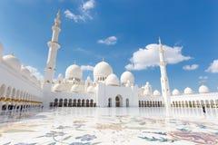 Sheikh Zayed Grand Mosque, Abu Dhabi, Vereinigte Arabische Emirate Stockbilder