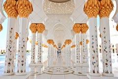 Sheikh Zayed Grand Mosque em Abu Dhabi Interior foto de stock