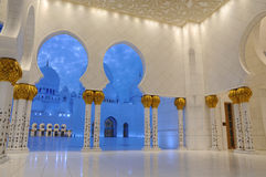 Sheikh Zayed Mosque at dusk, Abu Dhabi Stock Photo