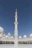 Sheikh Zayed Mosque Left Wing View dall'interno, la grande grande moschea di marmo ad Abu Dhabi, UAE immagine stock