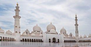Sheikh Zayed Mosque op 5 Juni, 2013 in Abu Dhabi. Royalty-vrije Stock Afbeeldingen