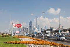 Sheikh Zayed Road in de Stad van Doubai Stock Fotografie