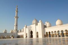 Sheikh Zayed Tusen dollar Moské under solnedgång Royaltyfria Bilder