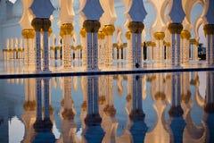 Sheikh Zayed White Mosque in Abu Dhabi Lizenzfreie Stockfotos