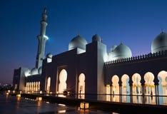 Sheikh Zayed White Mosque in Abu Dhabi nachts Lizenzfreie Stockbilder