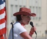 Sheila Heieck parle au rassemblement pour fixer nos frontières Image libre de droits