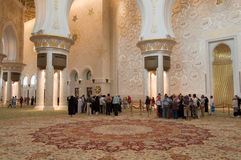 Shejken zayed moskén i Abu Dhabi, UAE - inre Royaltyfri Fotografi