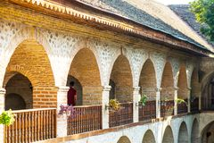 Sheki-Stadt, Karavan Saray im Kaukasus lizenzfreies stockbild