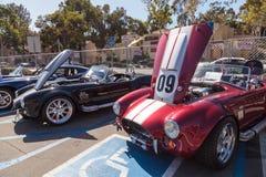 Shelby Cobra roja y blanca 1965 Foto de archivo libre de regalías