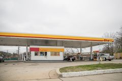 Shell bensinstation royaltyfria foton
