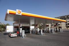 Shell benzinepost in Muscateldruif Oman royalty-vrije stock foto's
