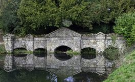 Shell Bridge dans Stowe, Buckinghamshire, R-U photo stock