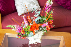 Shell Centerpiece mit Blumen stockfoto