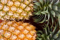 Shell maduro do abacaxi no alimento saudável do fruto do abacaxi do fundo da textura Foto de Stock Royalty Free