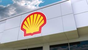 Shell Oil Company-embleem op de moderne de bouwvoorgevel Het redactie 3D teruggeven Royalty-vrije Stock Foto's