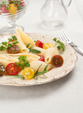 Shell pasta with tomatoes Royalty Free Stock Photos