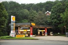 Shell stacja benzynowa zdjęcia royalty free