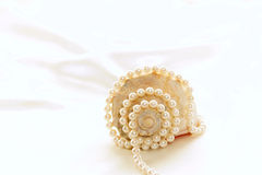 Shell und Perlen Stockfotos