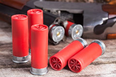 12 shells van het maatjachtgeweer Royalty-vrije Stock Afbeelding