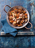 Shells vongole with tomato sauce Royalty Free Stock Images