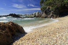 Shelly strand zet Maunganui, Nieuw Zeeland op Royalty-vrije Stock Afbeeldingen