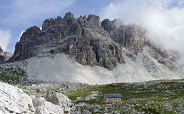 Shelter Lavaredo with mountain Passportenkopf Royalty Free Stock Images