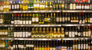 Shelves of supermarket with alcoholic drinks.. Royalty Free Stock Photos