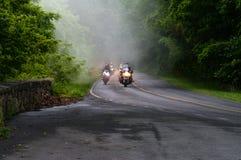 Shenandoah大路的骑自行车的人 免版税库存照片