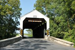 Shencks磨房被遮盖的桥 免版税库存图片