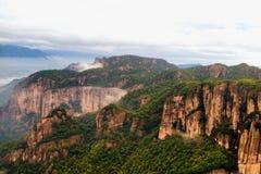 Shenxianju góra z mgła widokiem zdjęcia royalty free