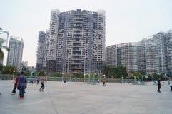 Shenzhen, Κίνα: Άνθρωποι που παίζουν την καλαθοσφαίριση Στοκ Εικόνα