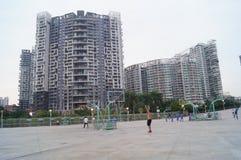 Shenzhen, Κίνα: Άνθρωποι που παίζουν την καλαθοσφαίριση Στοκ εικόνα με δικαίωμα ελεύθερης χρήσης