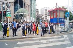 Shenzhen, Κίνα: επαγγελματικοί και τεχνικοί σχολικοί σπουδαστές μετά από το σχολείο Στοκ φωτογραφίες με δικαίωμα ελεύθερης χρήσης