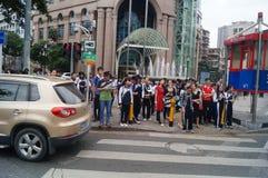 Shenzhen, Κίνα: επαγγελματικοί και τεχνικοί σχολικοί σπουδαστές μετά από το σχολείο Στοκ εικόνα με δικαίωμα ελεύθερης χρήσης