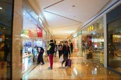 Shenzhen, Κίνα: εσωτερικό τοπίο λεωφόρων αγορών Στοκ Φωτογραφία