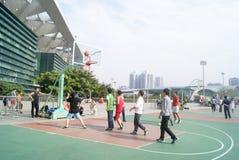 Shenzhen, Κίνα: παίζοντας καλαθοσφαίριση Στοκ Εικόνα