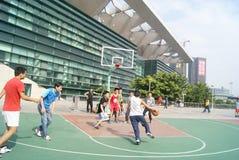 Shenzhen, Κίνα: παίζοντας καλαθοσφαίριση Στοκ Φωτογραφία