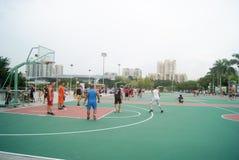 Shenzhen, Κίνα: παίζοντας καλαθοσφαίριση Στοκ φωτογραφίες με δικαίωμα ελεύθερης χρήσης