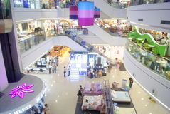 Shenzhen, Κίνα: πωλήσεις ιματισμού Στοκ φωτογραφία με δικαίωμα ελεύθερης χρήσης