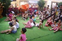 Shenzhen, Κίνα: δραστηριότητες γονέας-παιδιών Στοκ Εικόνα