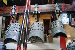 Shenzhen, China: alte Musikinstrumente der Glocken der Zeit der streitenden Reiche Lizenzfreie Stockbilder
