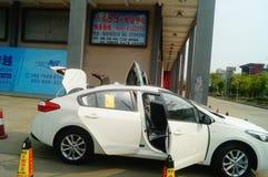 Shenzhen, China: AutoverkaufWerbungen, dass der Neuwagen nur 20 tausend Yuan zur Heimfahrt ist Lizenzfreies Stockfoto