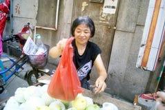 Shenzhen, China: buy fruit Royalty Free Stock Photos