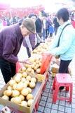 Shenzhen china: buy local snacks Stock Photos