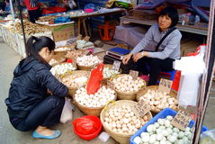 Shenzhen china: buying and selling eggs Stock Photography