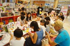 Shenzhen, China: children play games Stock Photos