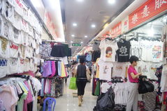 Shenzhen, China: clothing wholesale market Stock Photos